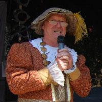 Bürgermeister D.Tischmeyer in traditioneller Robe